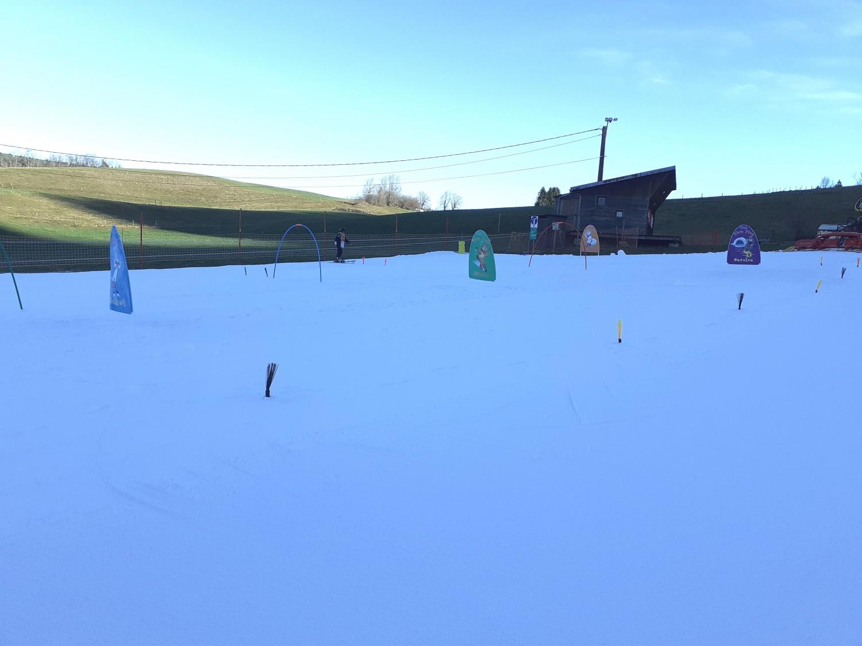 stade 1500x1125 TELESKI : Ouverture partielle du fil neige